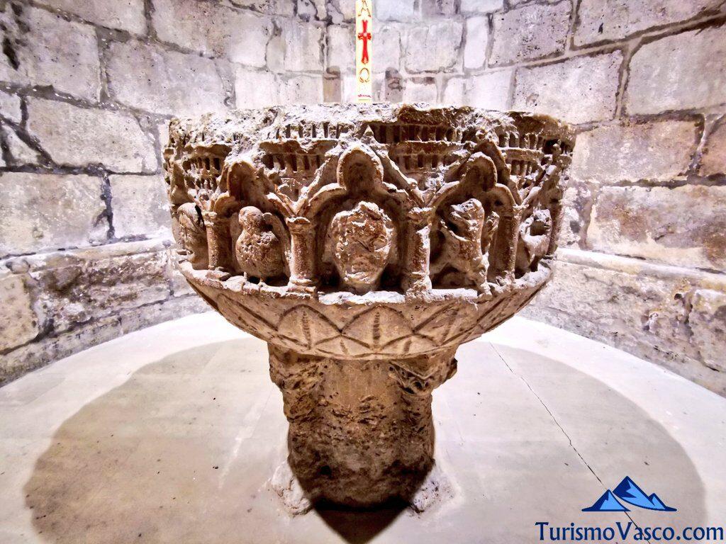 pila bautismal, Santuario de Estibaliz