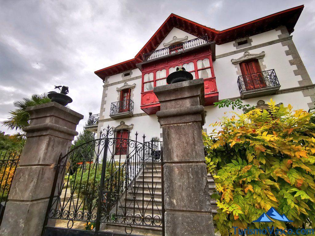 entrada casa de indianos amurrio, que ver en Amurrio