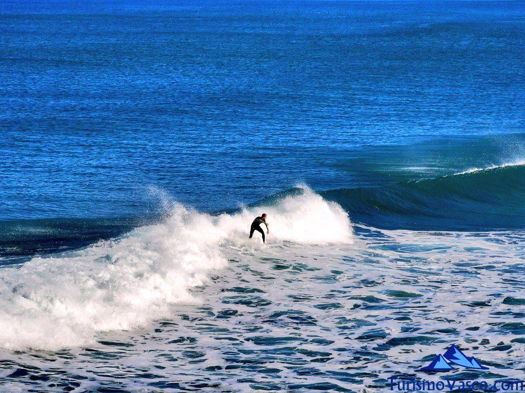 surfeando en zarautz, Zarautz qué ver y hacer