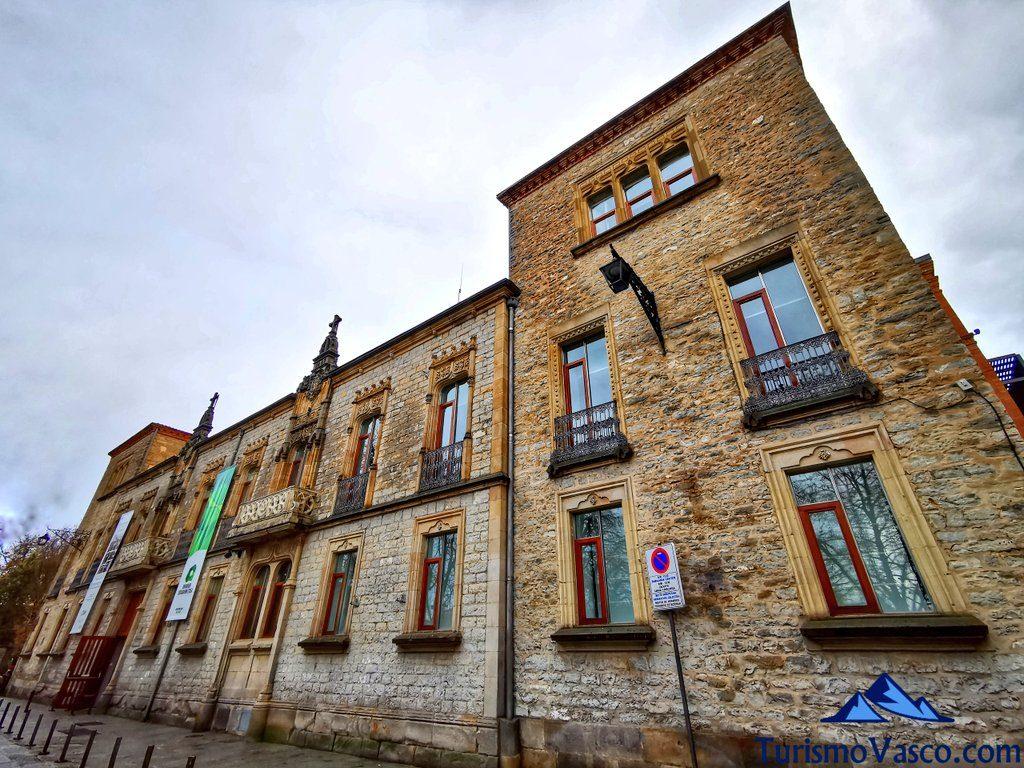 Palacio Montehermoso Oihaneder Euskararen Etxea, qué ver en Vitoria Gasteiz