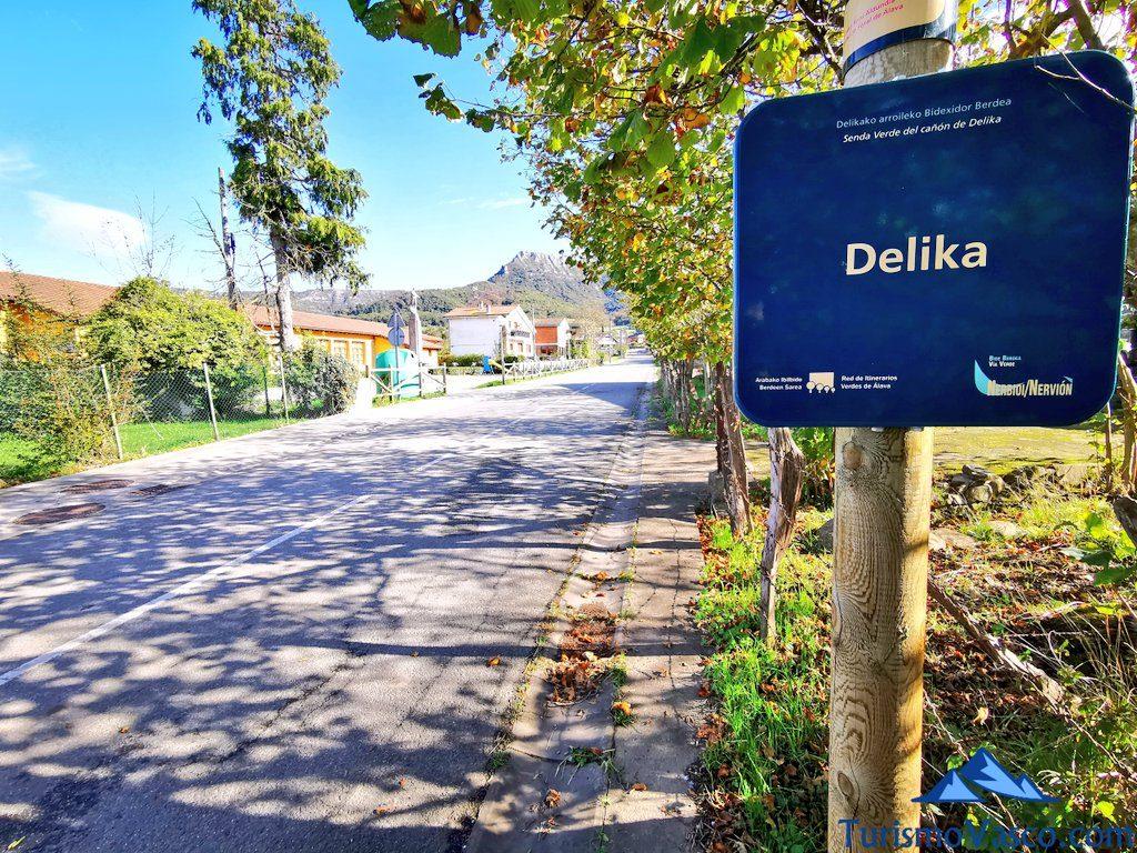 cartel delika, senda verde de Delika