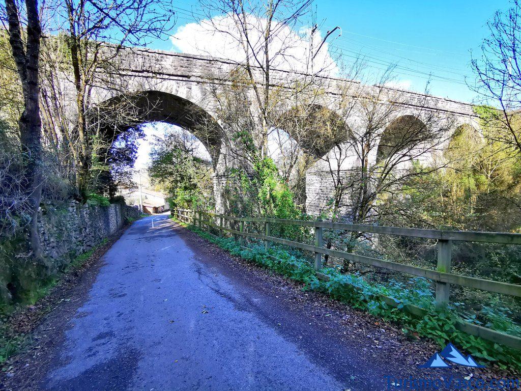puente del tren delika, senda verde de Delika