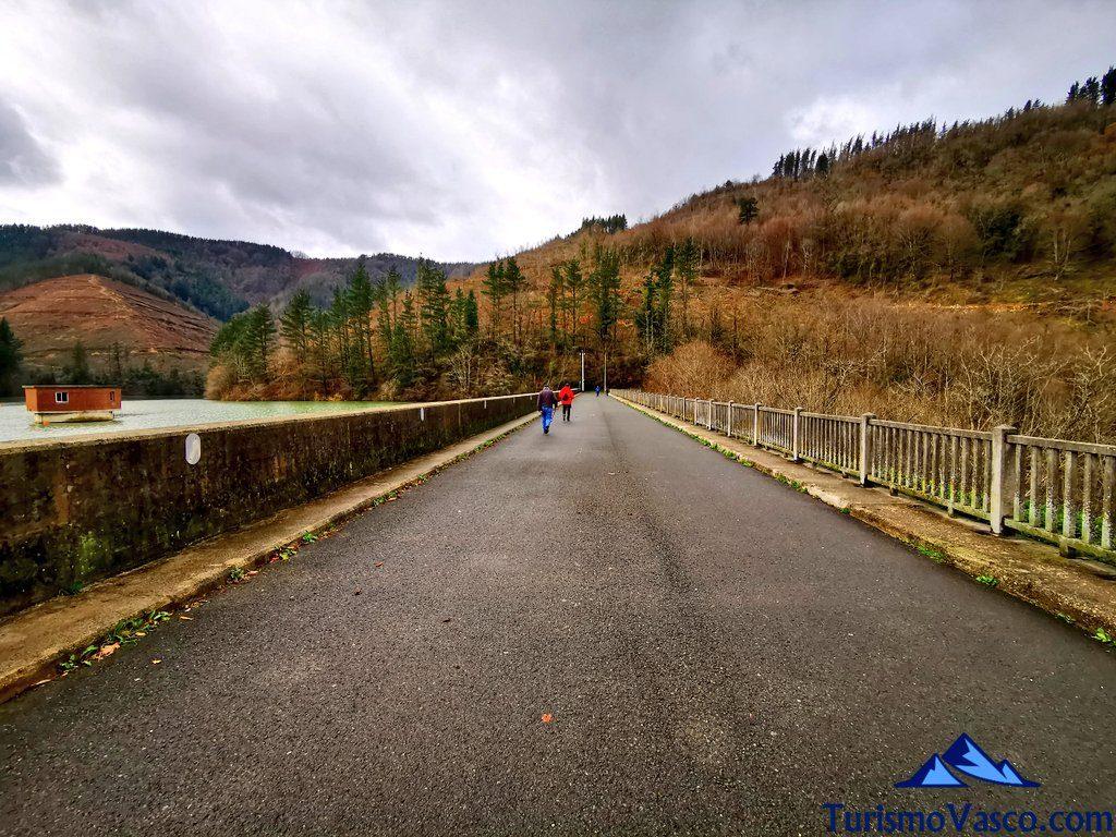 ruta presa aixola, Ruta embalse de Aixola