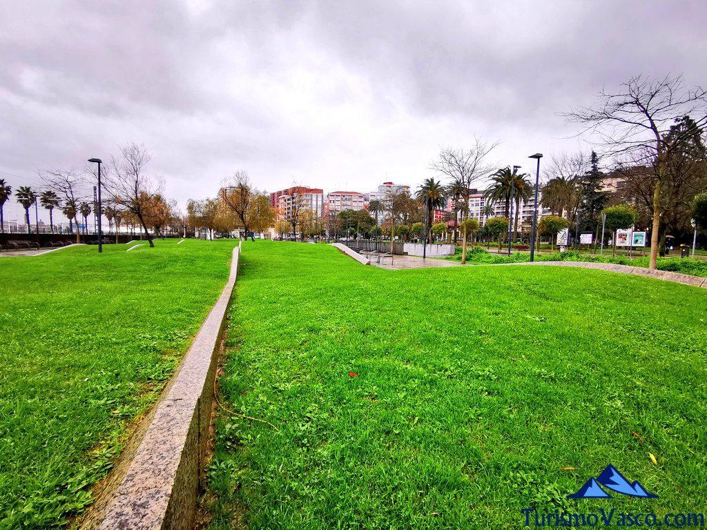 parque vias del tren santurtzi, Santurtzi qué ver