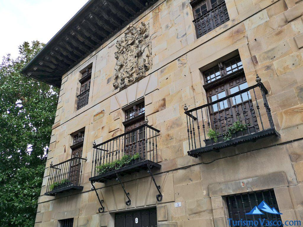 Palacio Lardizabal, ayuntamiento de Segura, qué ver en Segura