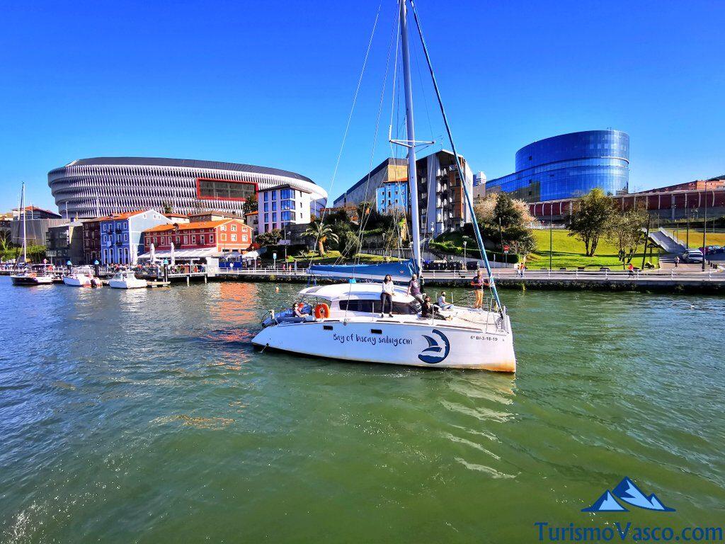 alquiler de catamaran en Bilbao, alquilar barco en Bilbao