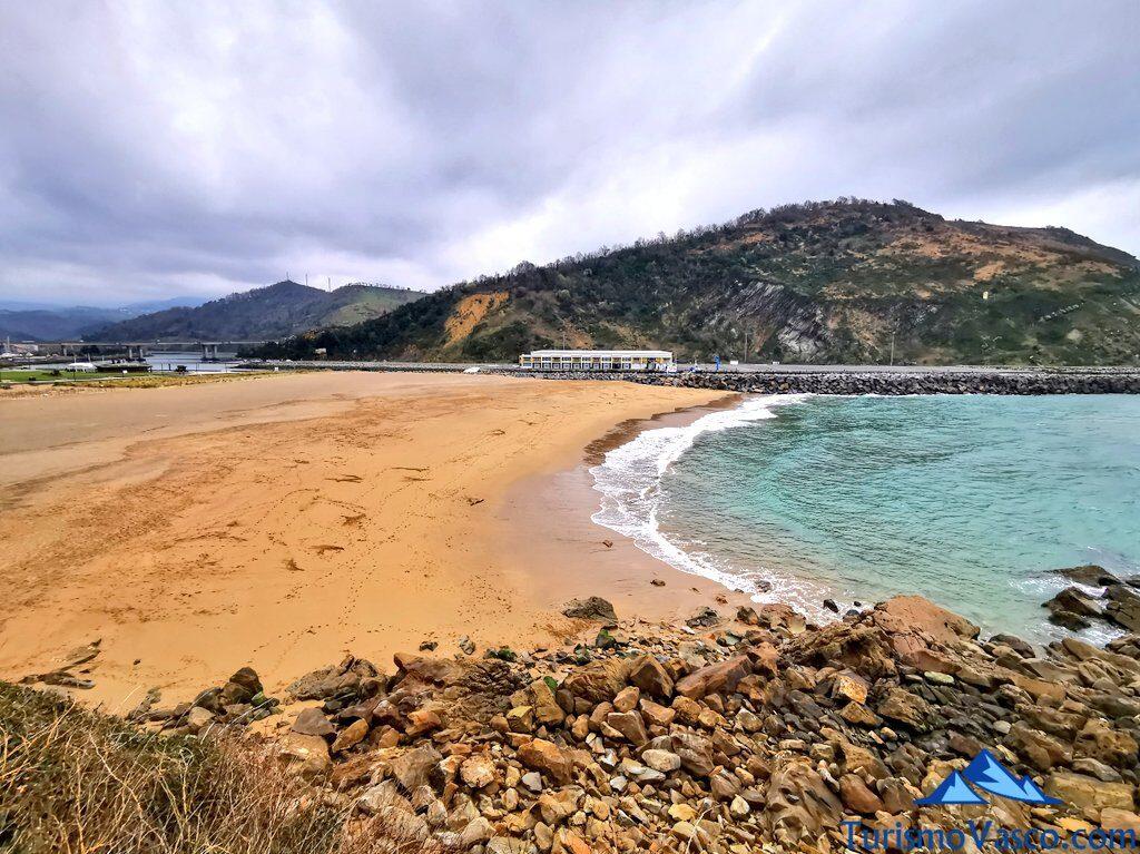 antilla playa desde acantilado Orio, qué ver en Orio