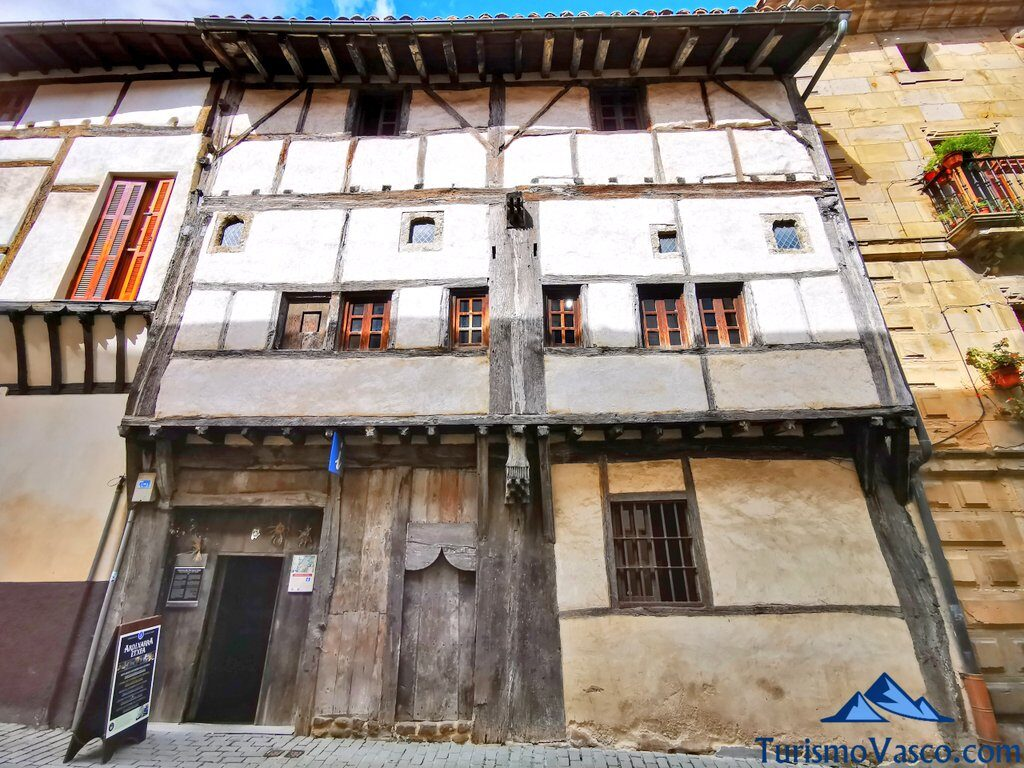 ardixarra, casa medieval segura, qué ver en Segura