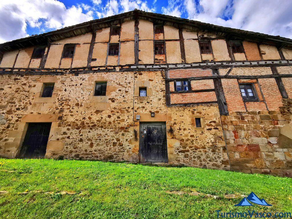 casa jauregi, palacio de Zerain, qué ver en Zerain