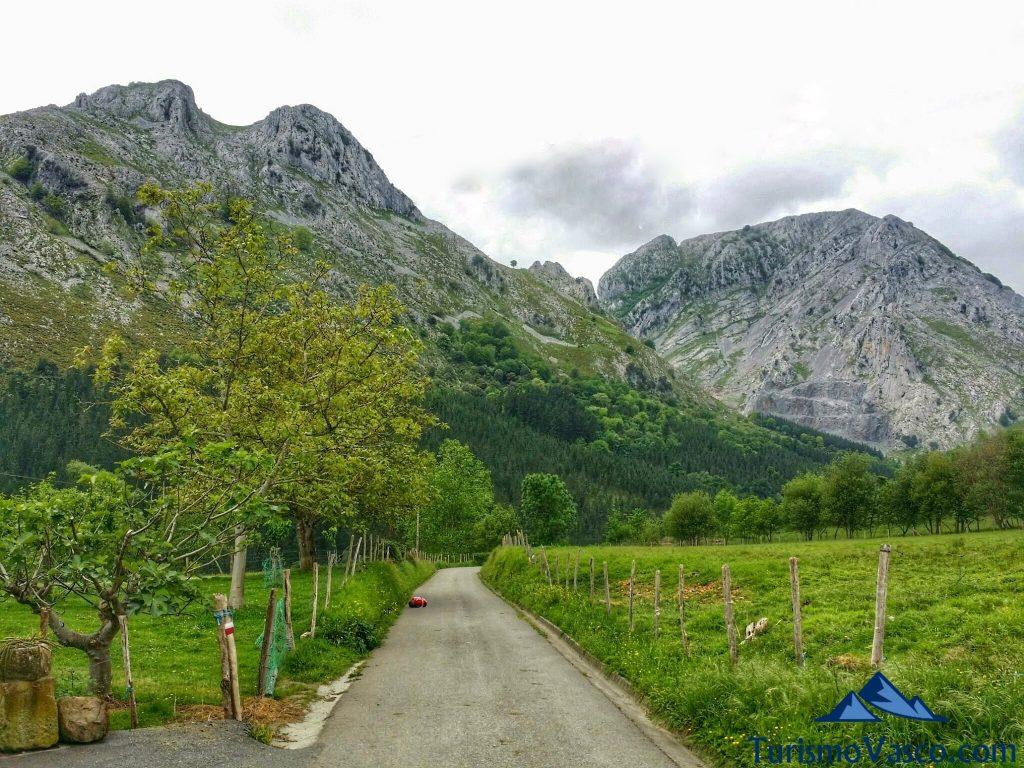parque natural de Urkiola, pastor por un dia en Euskadi