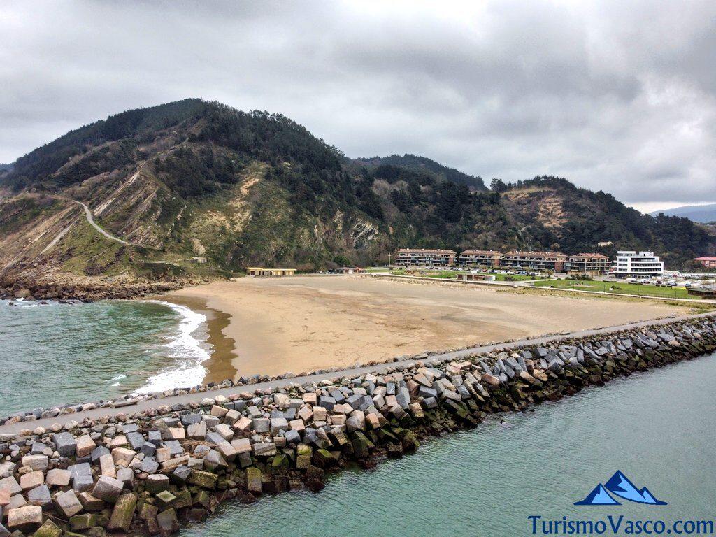playa de antilla Orio y acantilados dron, qué ver en Orio
