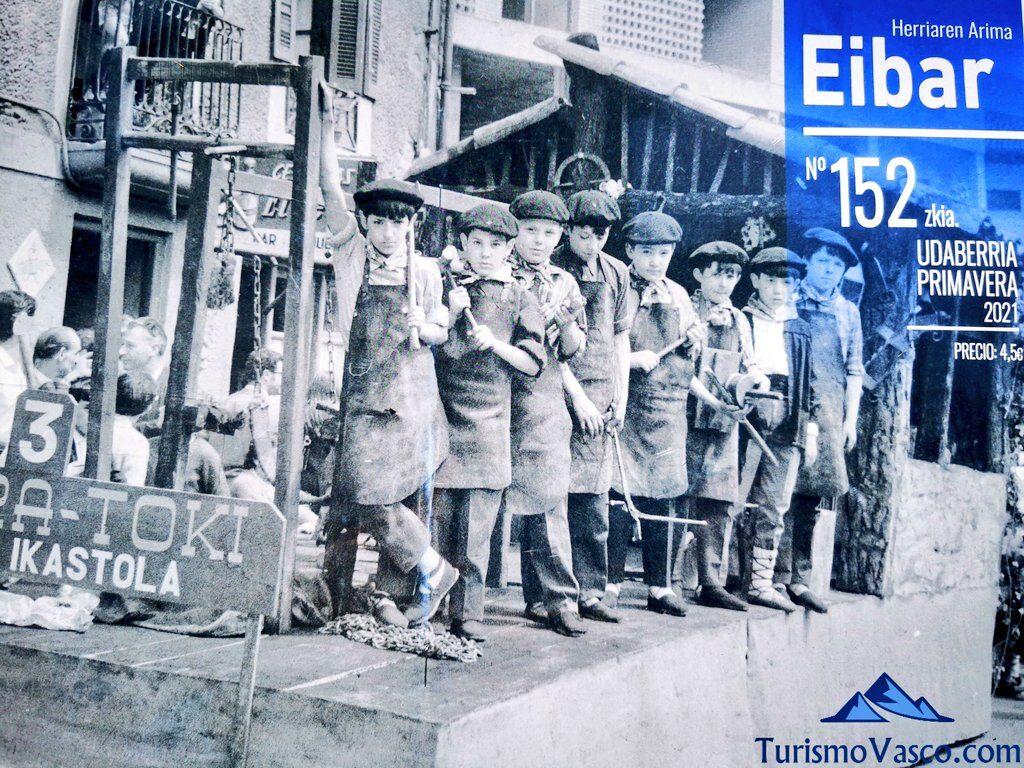 eibar cartel ikastola, qué ver en Eibar
