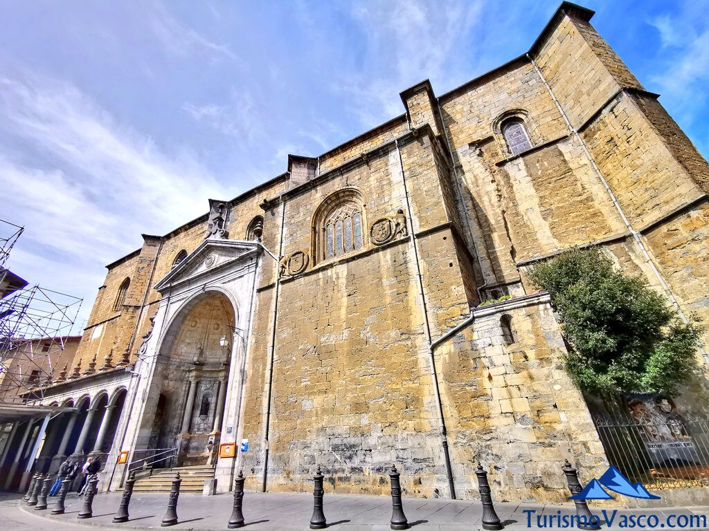 iglesia de santa maria de la real de azkoitia, qué ver en Azkoitia