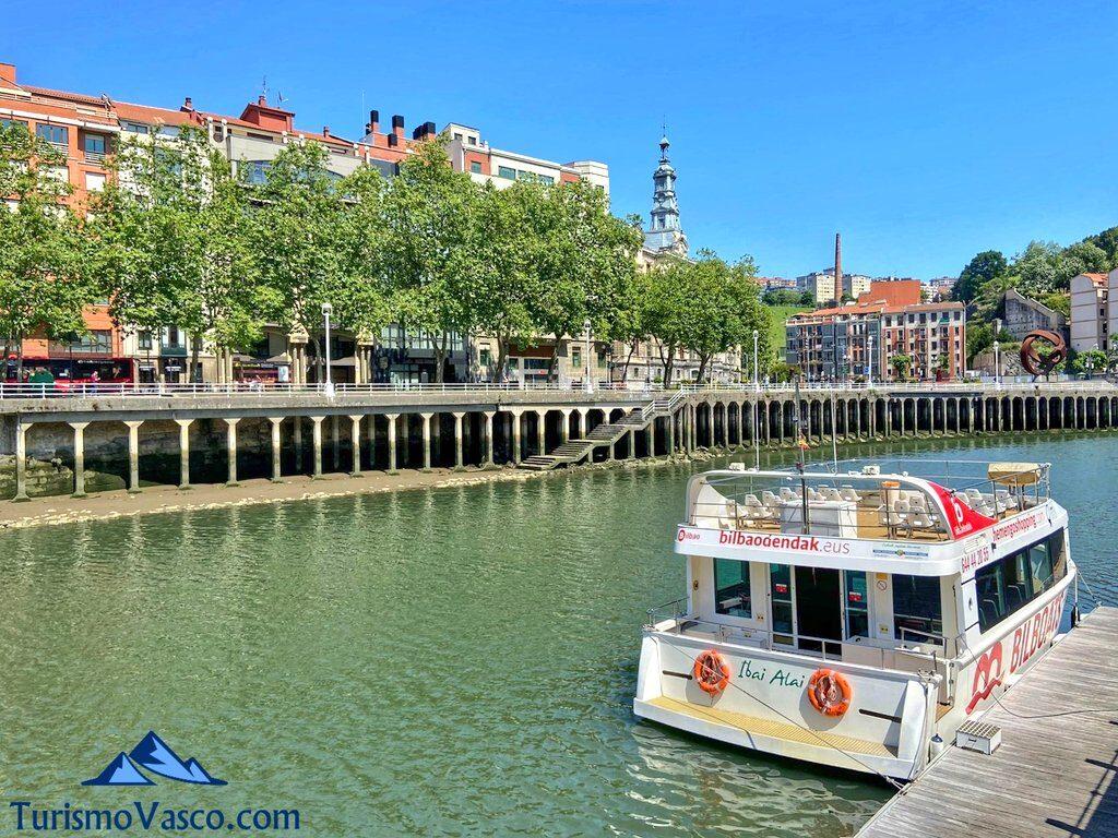 alquiler de barco en Bilbao, rutas en barco en bilbao, rutas por la ria de bilbao