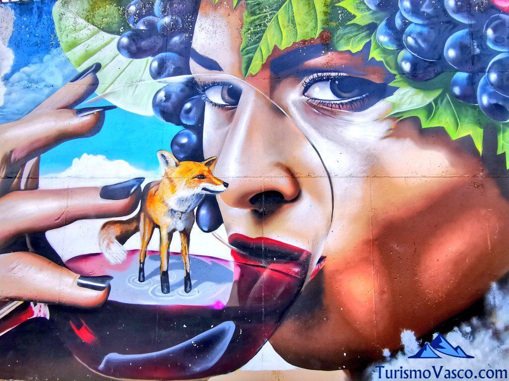mural de vino en laguardia, qué ver en Rioja Alavesa