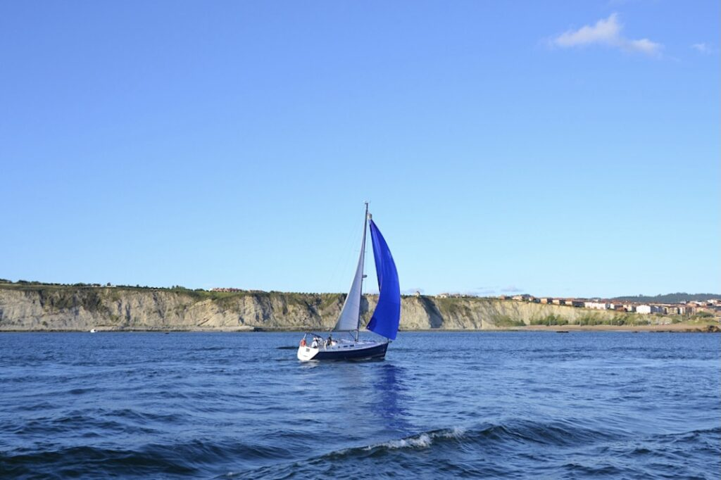 alquiler de velero en Bilbao, alquilar barco en Euskadi