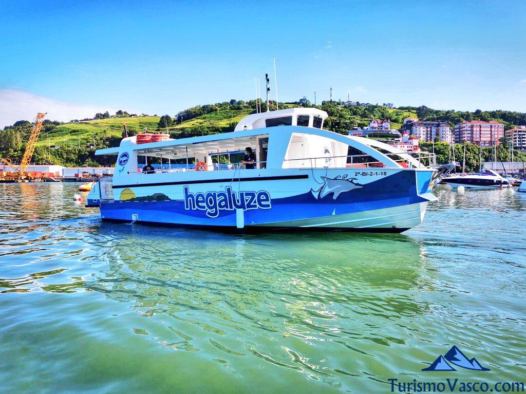 rutas en barco en bermeo, rutas en barco urdaibai, barco a San Juan de Gaztelugatxe