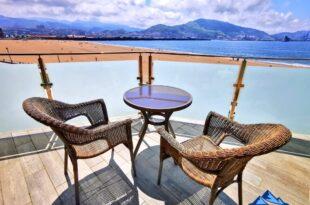 terraza habitacion del hotel igeretxe, dónde dormir en Getxo