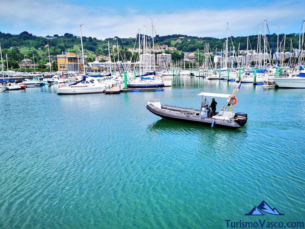 lancha de buceo, barco, Buceo en Hondarribia, Bautismo de buceo en Hondarribia