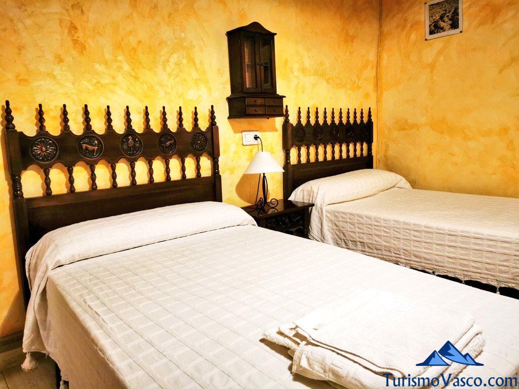 habitacion 2 camas casa rural bardena blanca, casas rurales en las bardenas
